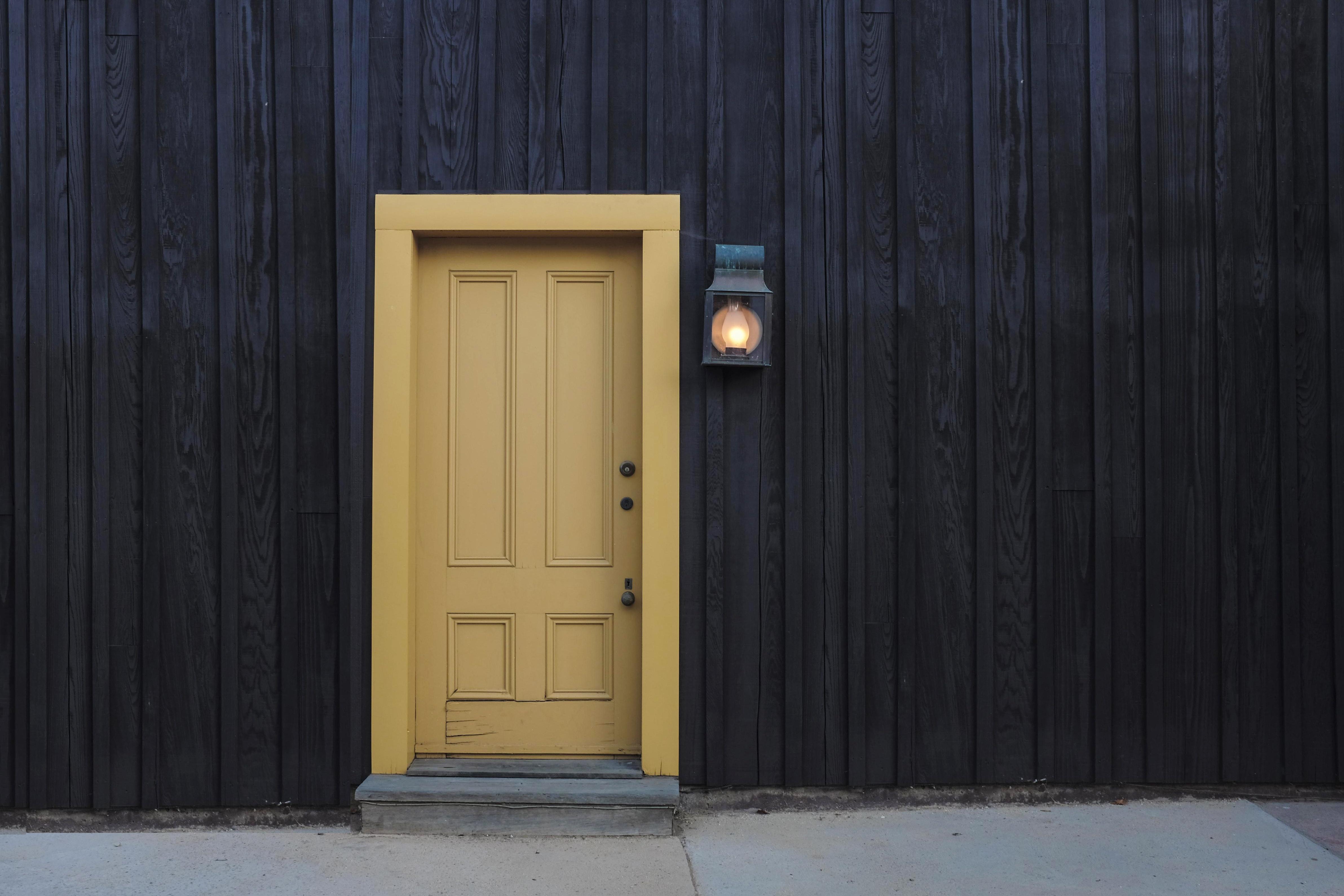 building-door-entrance-277559
